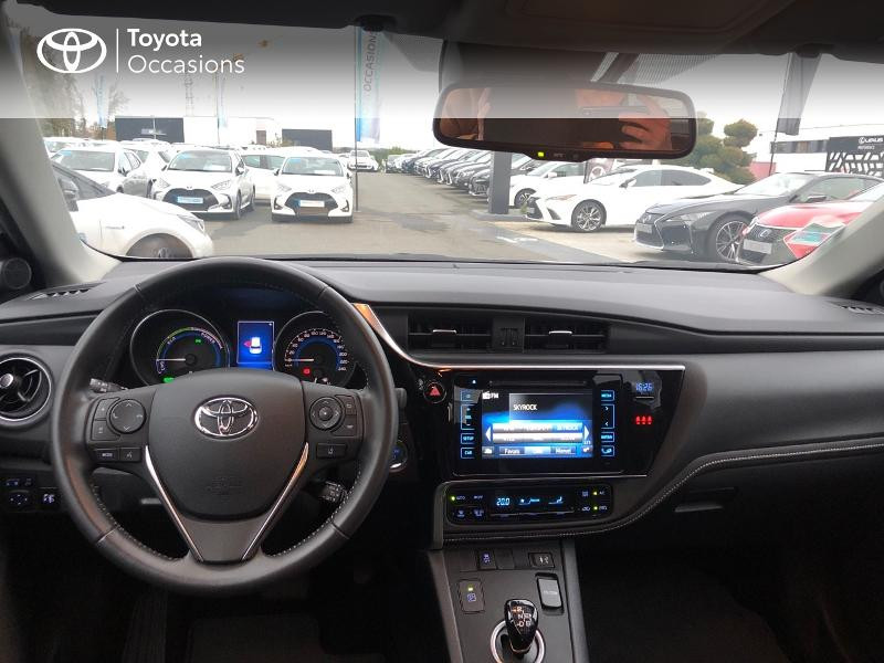 Photo 8 de l'offre de TOYOTA Auris HSD 136h Design à 17490€ chez Altis - Toyota Vannes