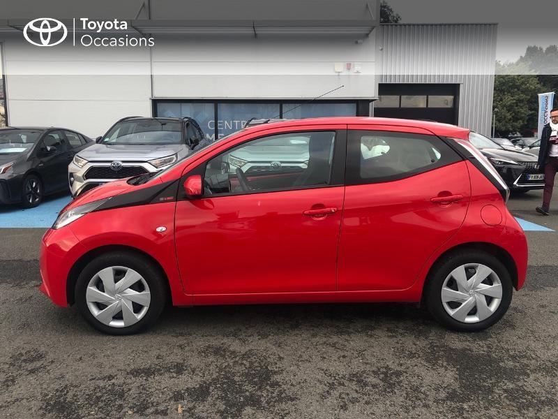 Photo 25 de l'offre de TOYOTA Aygo 1.0 VVT-i 69ch x-red 5p à 8680€ chez Altis - Toyota Vannes