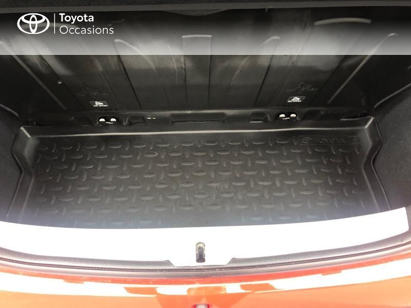 Photo 10 de l'offre de TOYOTA Aygo 1.0 VVT-i 69ch x-red 5p à 8680€ chez Altis - Toyota Vannes