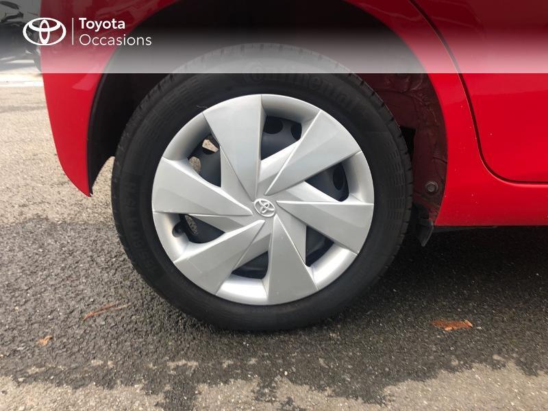 Photo 16 de l'offre de TOYOTA Aygo 1.0 VVT-i 69ch x-red 5p à 8680€ chez Altis - Toyota Vannes