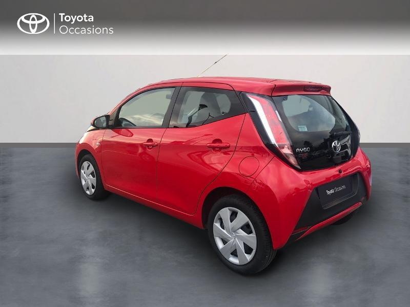 Photo 2 de l'offre de TOYOTA Aygo 1.0 VVT-i 69ch x-red 5p à 8680€ chez Altis - Toyota Vannes