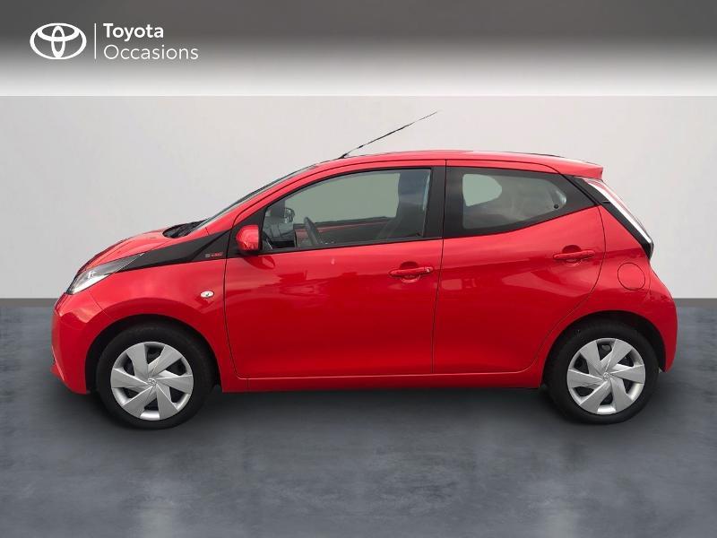 Photo 3 de l'offre de TOYOTA Aygo 1.0 VVT-i 69ch x-red 5p à 8680€ chez Altis - Toyota Vannes
