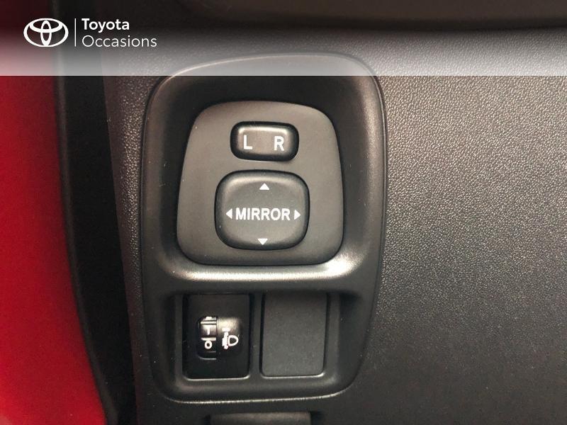 Photo 21 de l'offre de TOYOTA Aygo 1.0 VVT-i 69ch x-red 5p à 8680€ chez Altis - Toyota Vannes