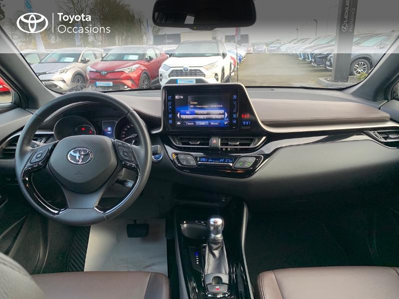 Photo 8 de l'offre de TOYOTA C-HR 122h Distinctive 2WD E-CVT à 20980€ chez Altis - Toyota Vannes