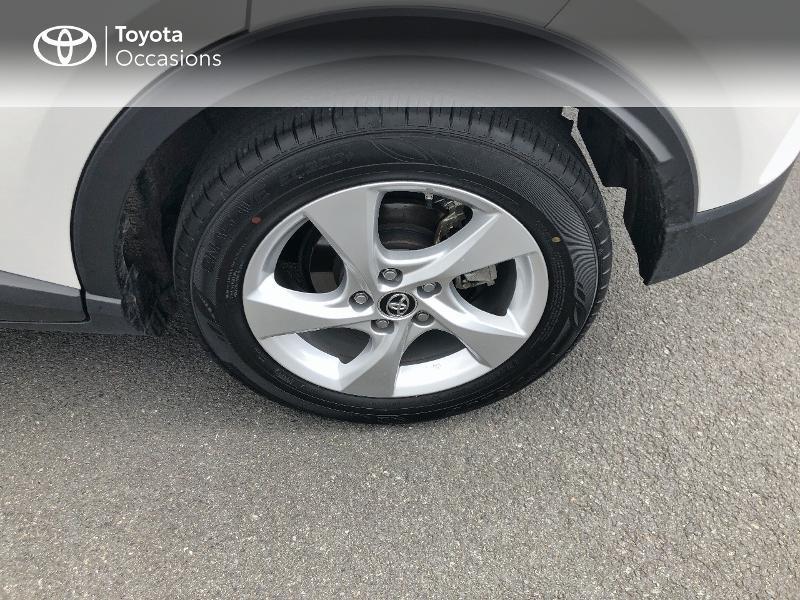 Photo 16 de l'offre de TOYOTA C-HR 122h Dynamic 2WD E-CVT RC18 à 19490€ chez Altis - Toyota Vannes
