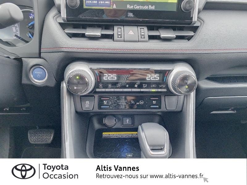 Photo 11 de l'offre de TOYOTA RAV4 Hybride Rechargeable 306ch Collection AWD à 57480€ chez Altis - Toyota Vannes