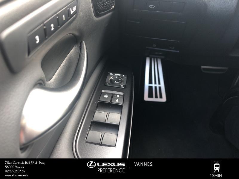 Photo 12 de l'offre de LEXUS ES 300h F SPORT Executive à 45890€ chez Altis - Toyota Vannes