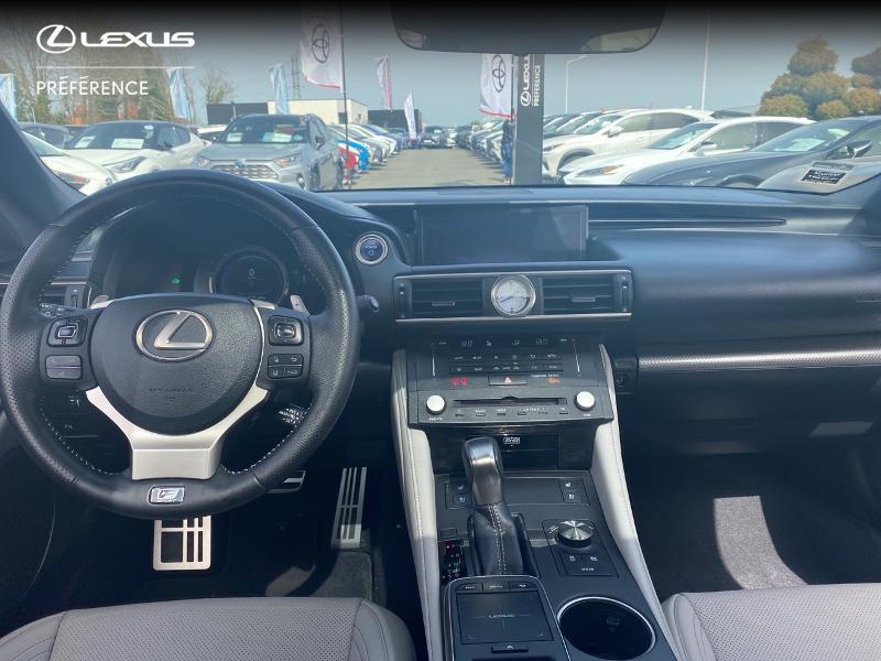 Photo 8 de l'offre de LEXUS RC 300h F SPORT Executive à 39980€ chez Altis - Toyota Vannes