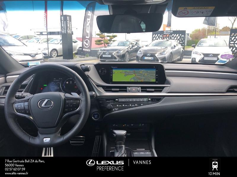 Photo 5 de l'offre de LEXUS ES 300h F SPORT Executive à 45890€ chez Altis - Toyota Vannes