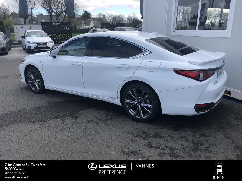 Photo 22 de l'offre de LEXUS ES 300h F SPORT Executive à 45890€ chez Altis - Toyota Vannes