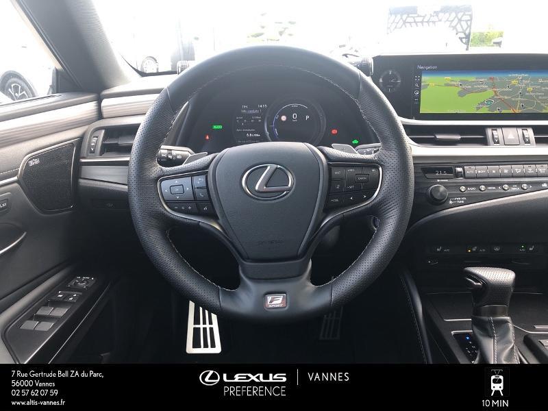 Photo 6 de l'offre de LEXUS ES 300h F SPORT Executive à 45890€ chez Altis - Toyota Vannes