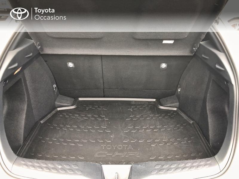 Photo 10 de l'offre de TOYOTA C-HR 122h Dynamic 2WD E-CVT RC18 à 19490€ chez Altis - Toyota Vannes