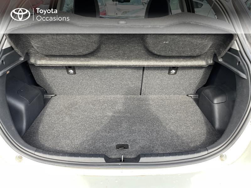 Photo 10 de l'offre de TOYOTA Yaris 70 VVT-i Design Y20 5p MY19 à 12980€ chez Altis - Toyota Vannes
