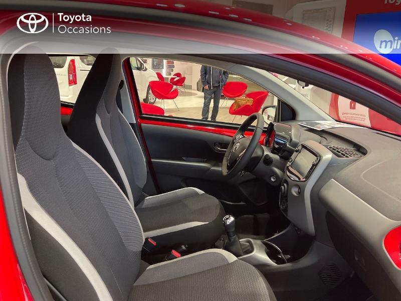 Photo 6 de l'offre de TOYOTA Aygo 1.0 VVT-i 72ch x-play 5p MY20 à 12290€ chez Altis - Toyota Vannes