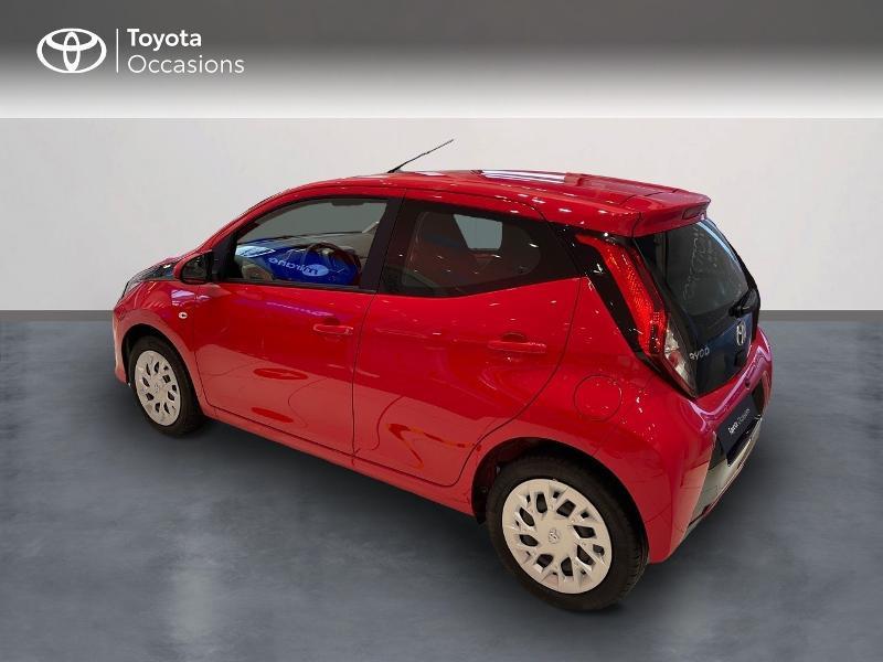 Photo 2 de l'offre de TOYOTA Aygo 1.0 VVT-i 72ch x-play 5p MY20 à 12290€ chez Altis - Toyota Vannes
