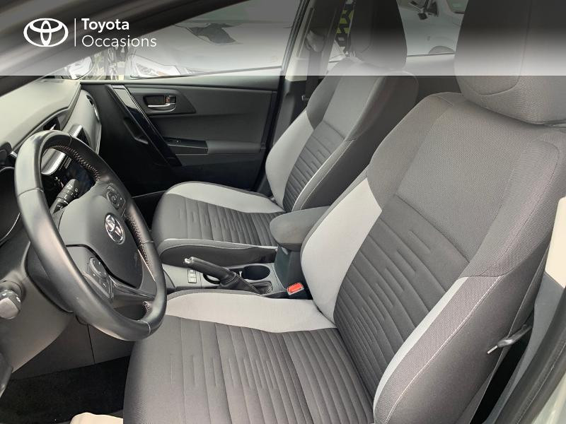 Photo 11 de l'offre de TOYOTA Auris HSD 136h Design à 16690€ chez Altis - Toyota Vannes