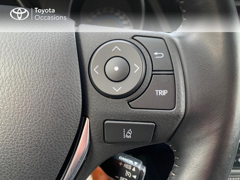 Photo 20 de l'offre de TOYOTA Auris HSD 136h Design à 16690€ chez Altis - Toyota Vannes