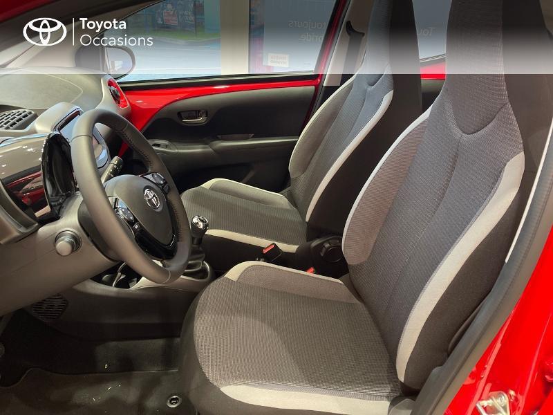 Photo 11 de l'offre de TOYOTA Aygo 1.0 VVT-i 72ch x-play 5p MY20 à 12290€ chez Altis - Toyota Vannes