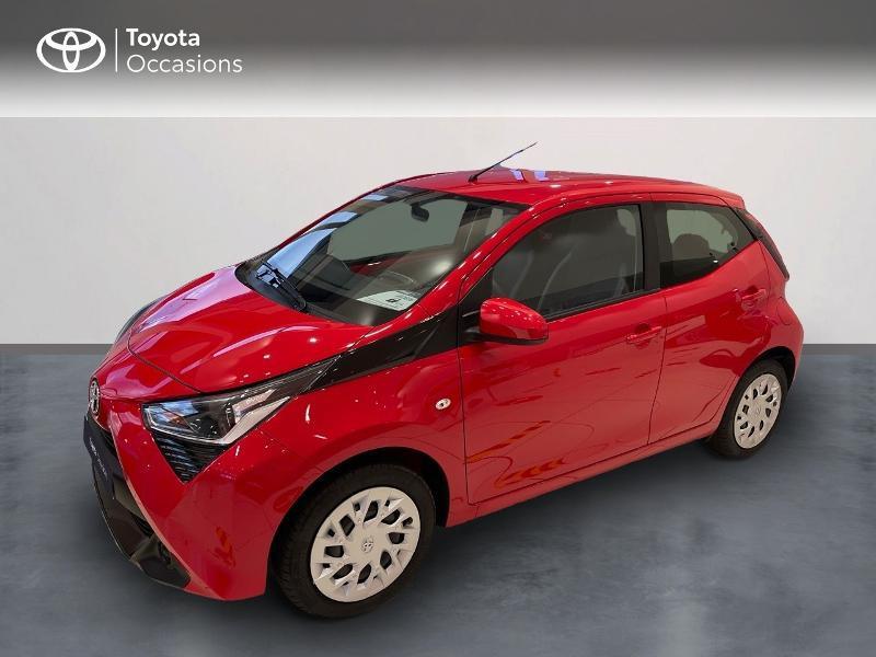 Photo 1 de l'offre de TOYOTA Aygo 1.0 VVT-i 72ch x-play 5p MY20 à 12290€ chez Altis - Toyota Vannes
