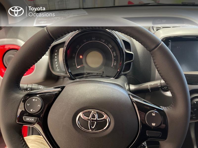 Photo 13 de l'offre de TOYOTA Aygo 1.0 VVT-i 72ch x-play 5p MY20 à 12290€ chez Altis - Toyota Vannes