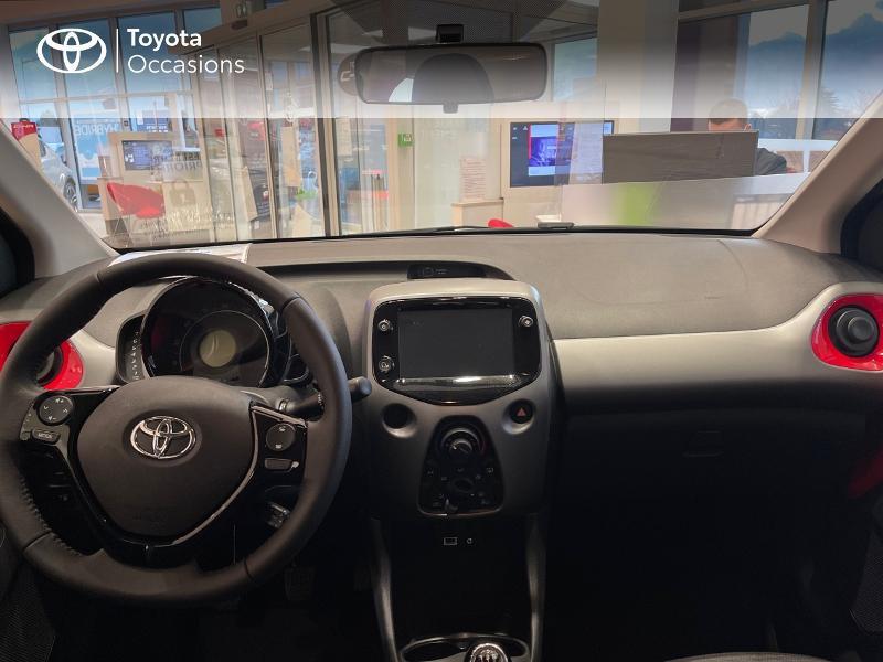 Photo 8 de l'offre de TOYOTA Aygo 1.0 VVT-i 72ch x-play 5p MY20 à 12290€ chez Altis - Toyota Vannes