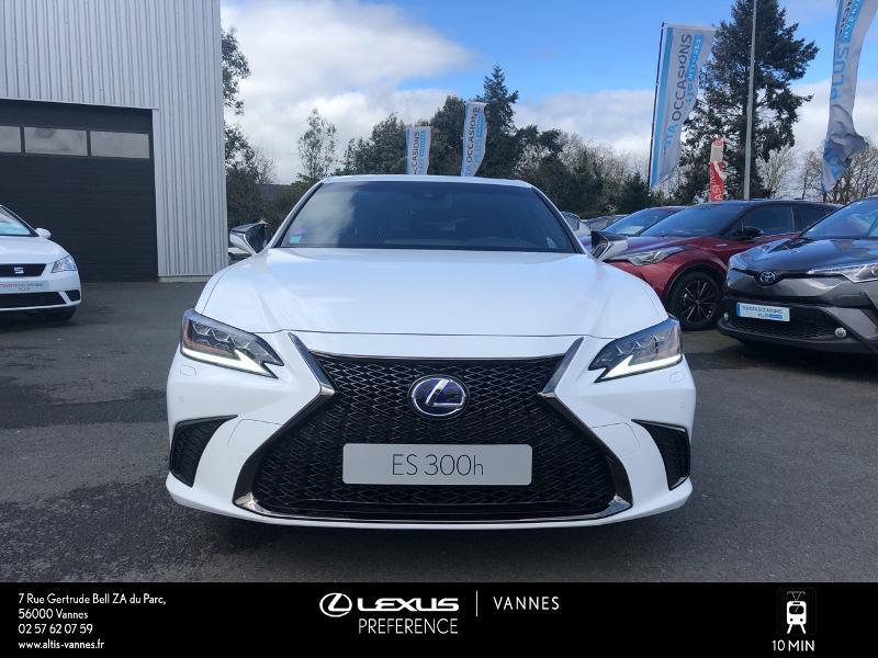 Photo 19 de l'offre de LEXUS ES 300h F SPORT Executive à 45890€ chez Altis - Toyota Vannes