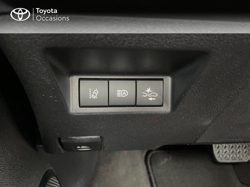 Photo 22 de l'offre de TOYOTA Yaris 100h Dynamic 5p à 15980€ chez Altis - Toyota Vannes