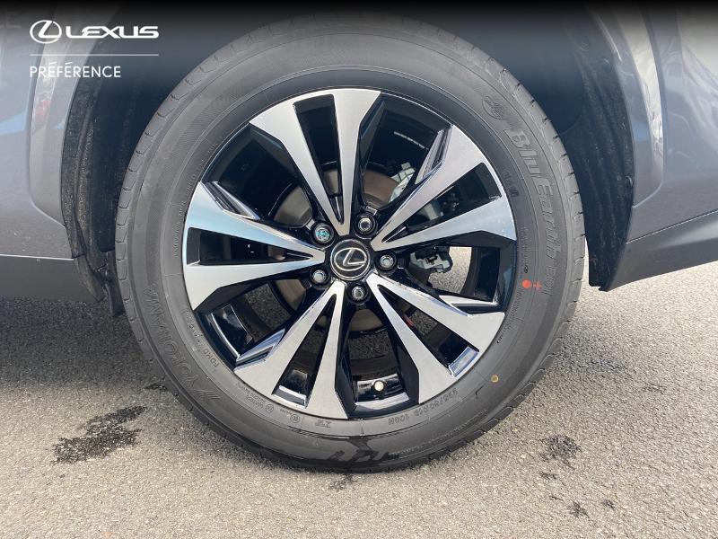 Photo 16 de l'offre de LEXUS NX 300h 2WD Design MY21 à 46890€ chez Altis - Toyota Vannes
