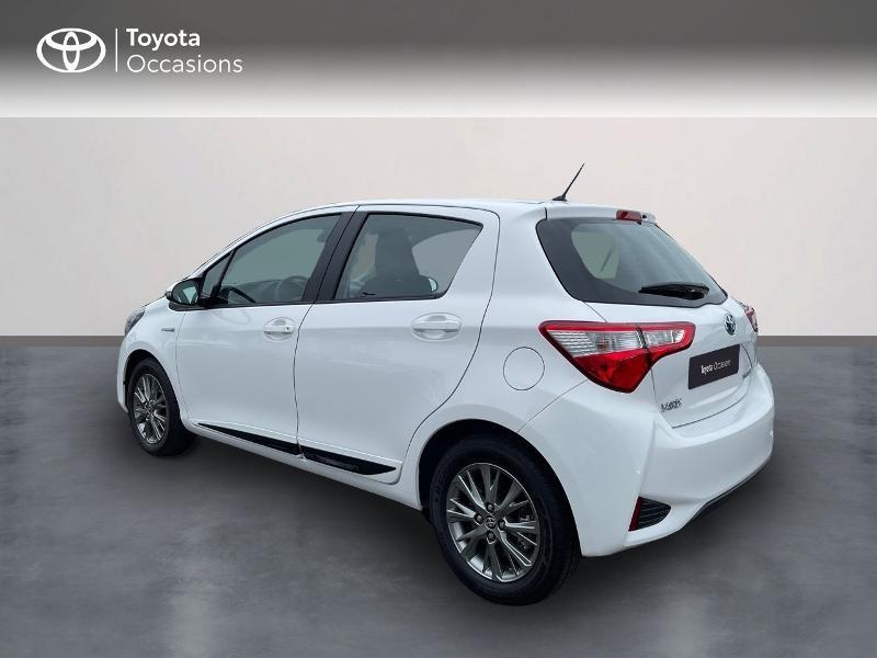 Photo 2 de l'offre de TOYOTA Yaris 100h Dynamic 5p à 15980€ chez Altis - Toyota Vannes