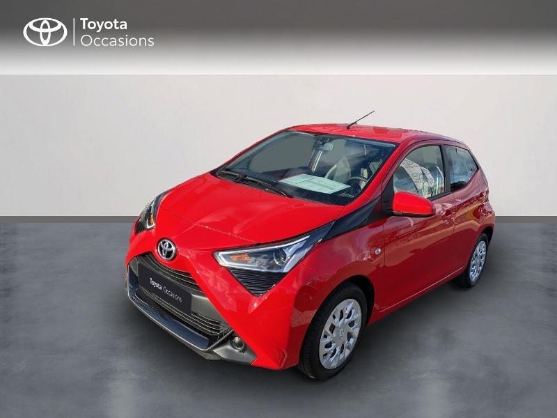 Photo 1 de l'offre de TOYOTA Aygo 1.0 VVT-i 72ch x-play 5p MY20 à 11590€ chez Altis - Toyota Vannes