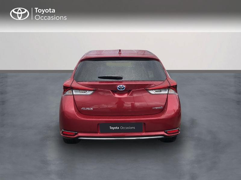 Photo 4 de l'offre de TOYOTA Auris HSD 136h Design RC18 à 18990€ chez Altis - Toyota Vannes