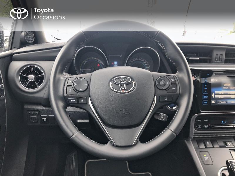Photo 9 de l'offre de TOYOTA Auris HSD 136h Design RC18 à 18990€ chez Altis - Toyota Vannes