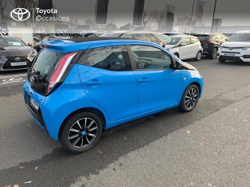 Photo 18 de l'offre de TOYOTA Aygo 1.0 VVT-i 69ch x-wave 2 5p à 9290€ chez Altis - Toyota Vannes