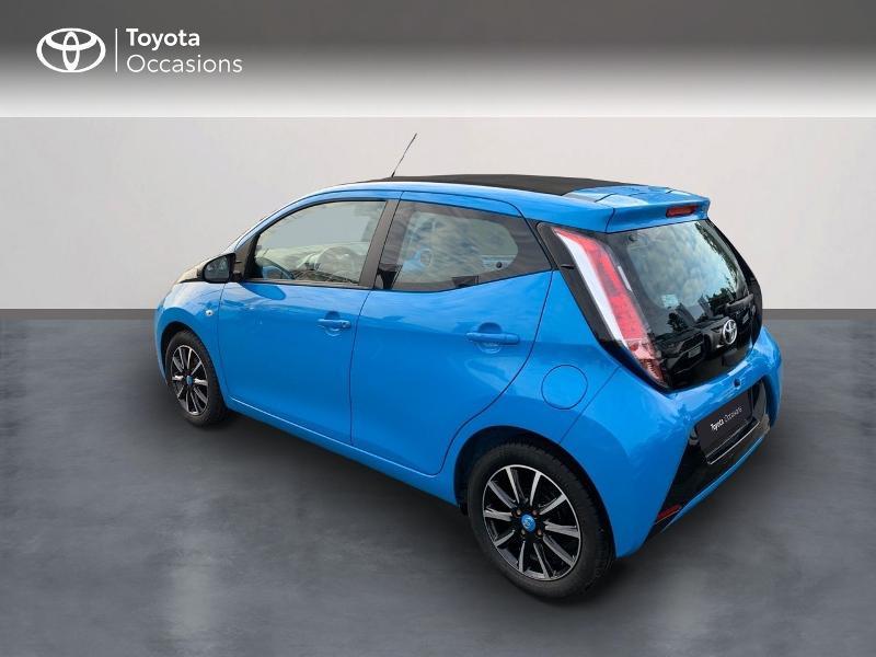 Photo 2 de l'offre de TOYOTA Aygo 1.0 VVT-i 69ch x-wave 2 5p à 9290€ chez Altis - Toyota Vannes