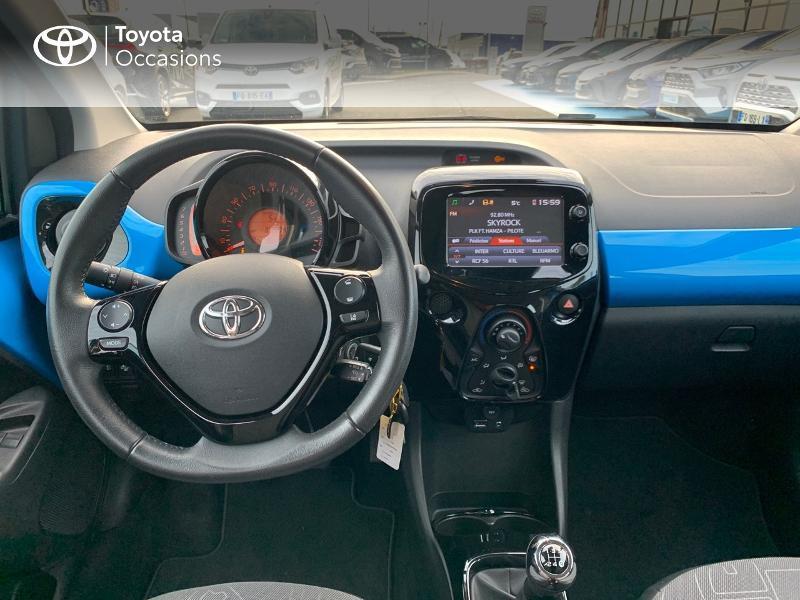 Photo 8 de l'offre de TOYOTA Aygo 1.0 VVT-i 69ch x-wave 2 5p à 9290€ chez Altis - Toyota Vannes