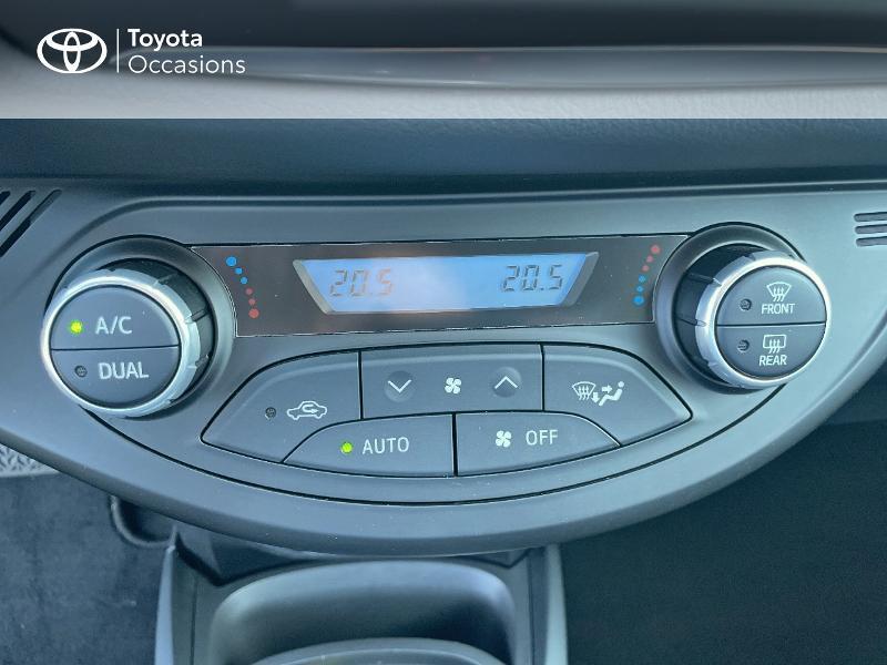 Photo 22 de l'offre de TOYOTA Yaris 100h Dynamic 5p RC18 à 15690€ chez Altis - Toyota Vannes
