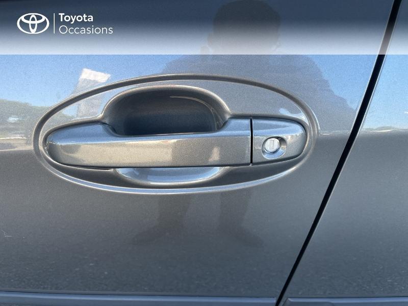 Photo 24 de l'offre de TOYOTA Yaris 100h Dynamic 5p RC18 à 15690€ chez Altis - Toyota Vannes