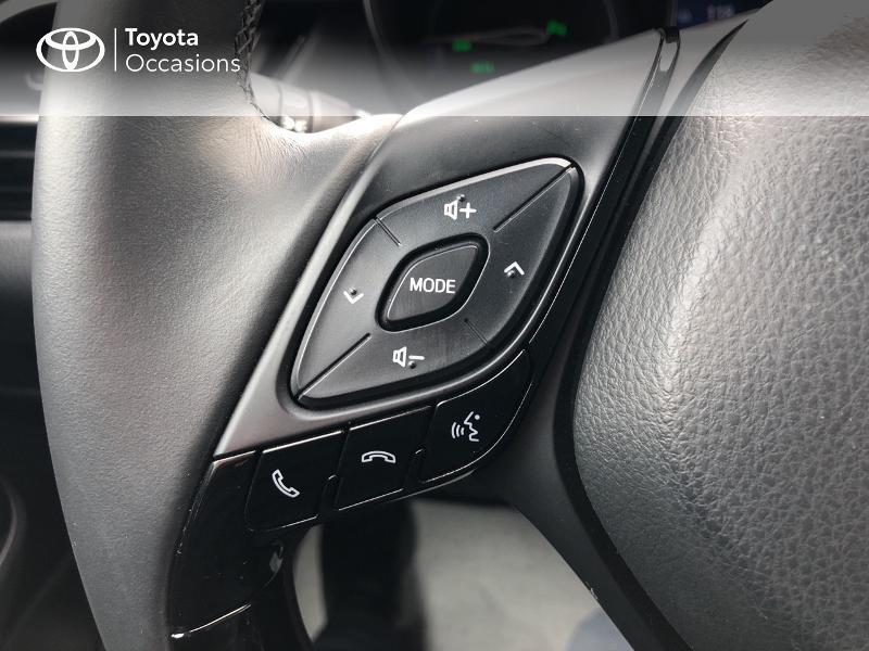Photo 10 de l'offre de TOYOTA C-HR 122h Graphic 2WD E-CVT RC18 à 23980€ chez Altis - Toyota Vannes