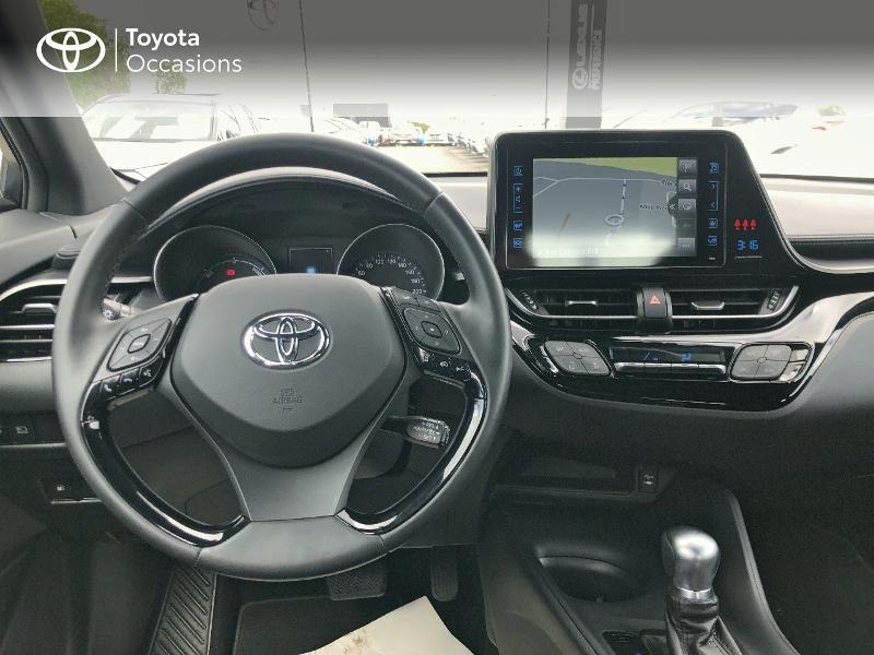 Photo 8 de l'offre de TOYOTA C-HR 122h Dynamic 2WD E-CVT RC18 à 19490€ chez Altis - Toyota Vannes