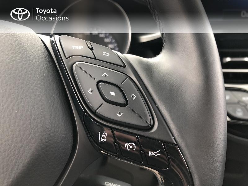 Photo 20 de l'offre de TOYOTA C-HR 122h Dynamic 2WD E-CVT RC18 à 19490€ chez Altis - Toyota Vannes