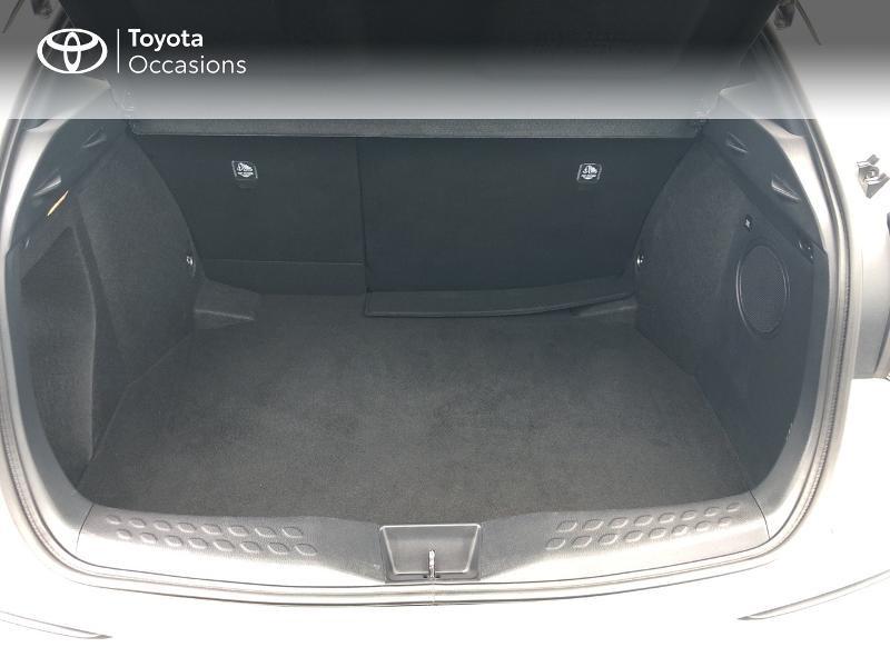 Photo 15 de l'offre de TOYOTA C-HR 122h Graphic 2WD E-CVT RC18 à 23980€ chez Altis - Toyota Vannes