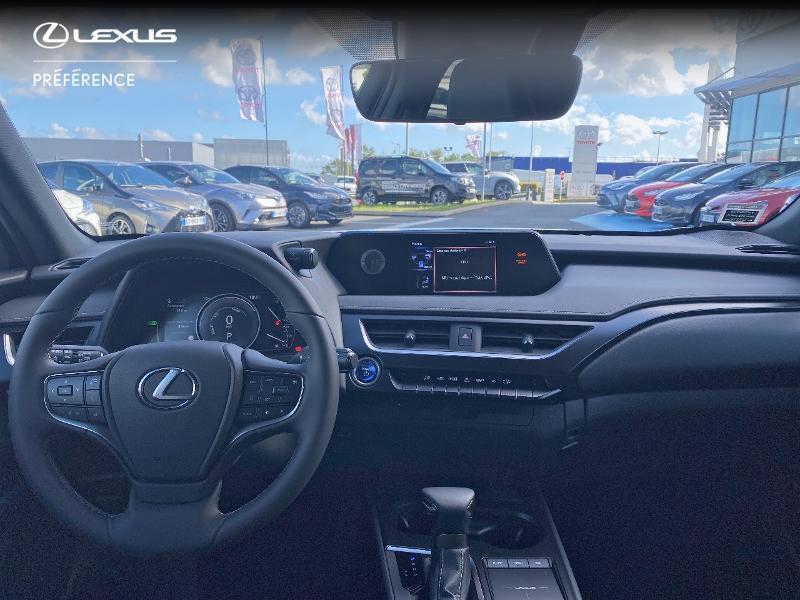Photo 8 de l'offre de LEXUS UX 250h 2WD Premium Edition MY21 à 34890€ chez Altis - Toyota Vannes