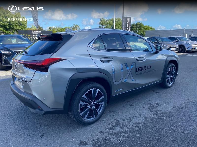 Photo 18 de l'offre de LEXUS UX 250h 2WD Premium Edition MY21 à 34890€ chez Altis - Toyota Vannes