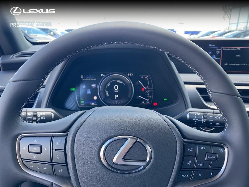 Photo 13 de l'offre de LEXUS UX 250h 2WD Premium Edition MY21 à 34890€ chez Altis - Toyota Vannes