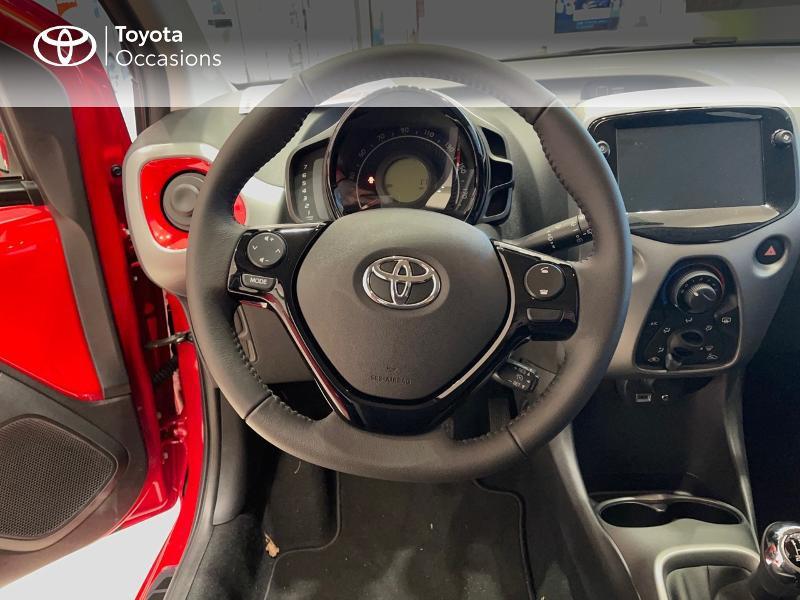 Photo 9 de l'offre de TOYOTA Aygo 1.0 VVT-i 72ch x-play 5p MY20 à 12290€ chez Altis - Toyota Vannes