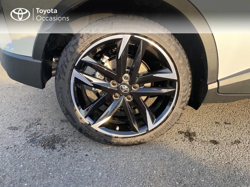 Photo 16 de l'offre de TOYOTA C-HR 184h GR-Sport 2WD E-CVT MY20 à 32890€ chez Altis - Toyota Vannes
