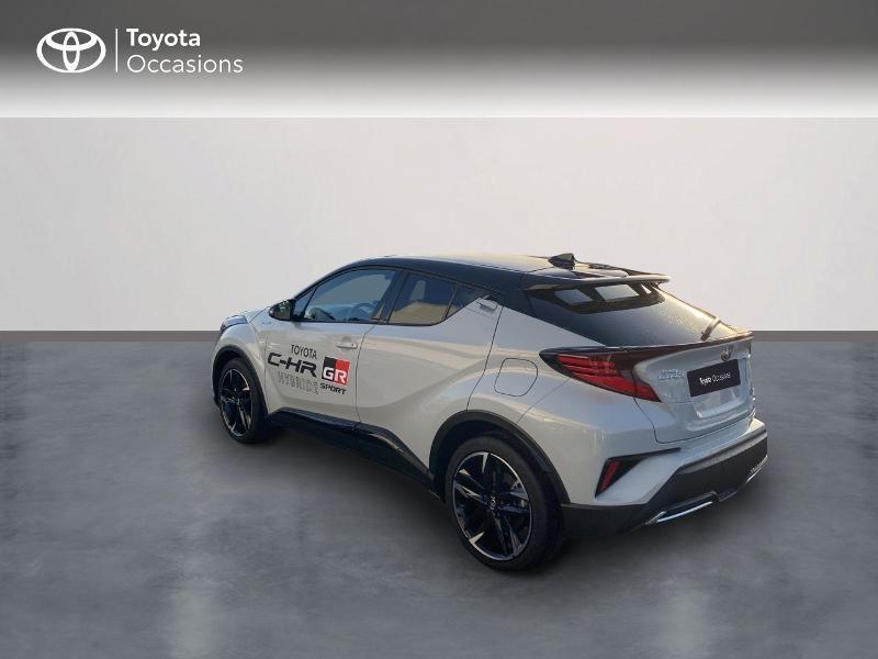 Photo 2 de l'offre de TOYOTA C-HR 184h GR-Sport 2WD E-CVT MY20 à 32890€ chez Altis - Toyota Vannes