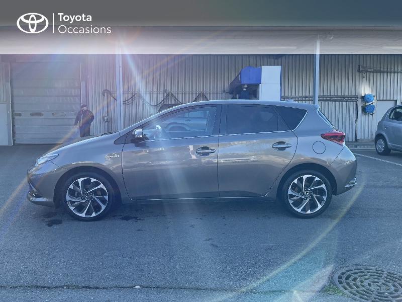 Photo 26 de l'offre de TOYOTA Auris HSD 136h Design à 15890€ chez Altis - Toyota Vannes