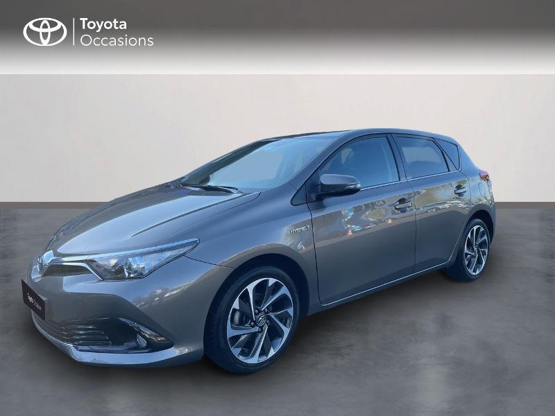 Photo 1 de l'offre de TOYOTA Auris HSD 136h Design à 15890€ chez Altis - Toyota Vannes