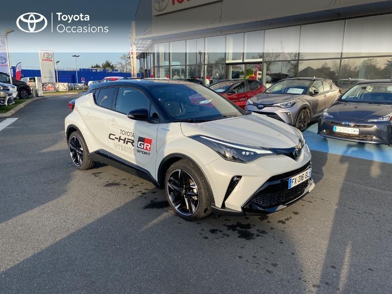 Photo 19 de l'offre de TOYOTA C-HR 184h GR-Sport 2WD E-CVT MY20 à 32890€ chez Altis - Toyota Vannes